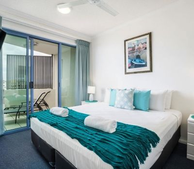 22-alexandra-headland-accommodation-5